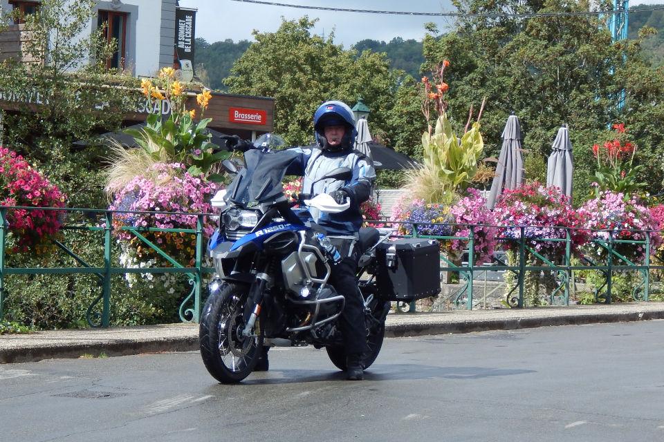 Motorrijbewijspoint Roosendaal examengarantie AVB en AVD